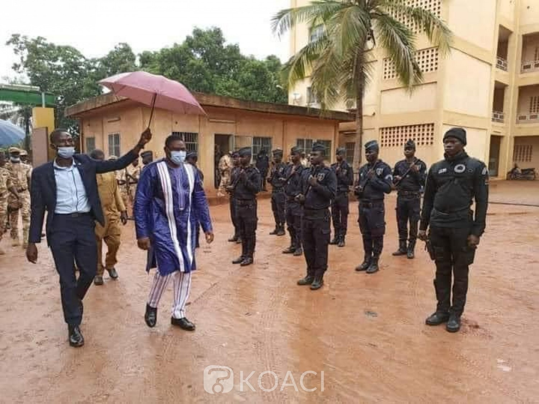 Burkina Faso : 47 morts dont 14 soldats dans une attaque contre un convoi sur l'axe Dori-Arbinda