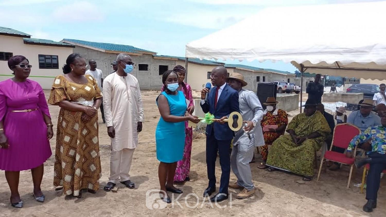 Côte d'Ivoire : Projet immobilier des agents de la mutuelle du  Ministère du Commerce, les premiers souscripteurs reçoivent leurs clés