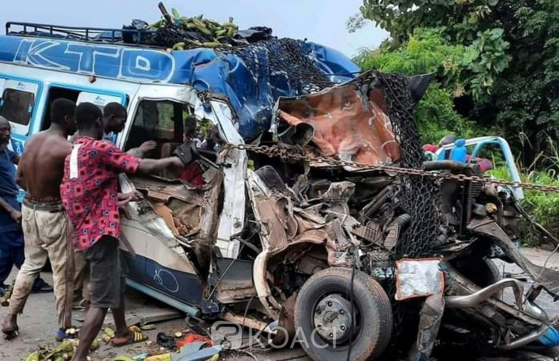 Côte d'Ivoire : Au moins 05 morts dans une collision entre un mini car et un camion remorque sur l'axe Kotobi-Akoupé