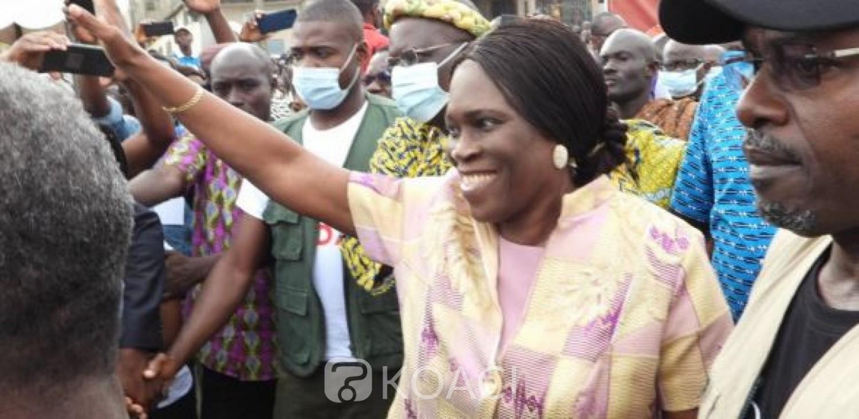 Côte d'Ivoire : Son nom sur une liste de nouveau parti, Simone Gbagbo demande à Laurent Gbagbo « un minimum de respect et de considération »