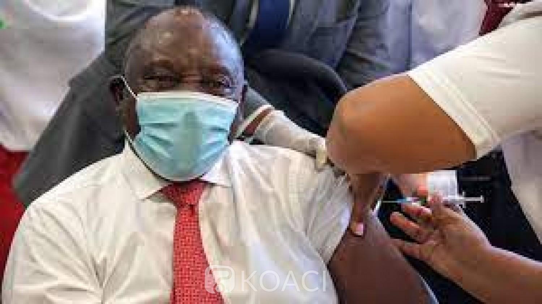 Afrique du Sud : Covid-19, Cyril Ramaphosa veut introduire le « passeport vaccinal »