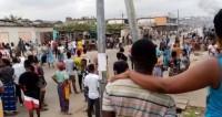 Côte d'Ivoire : Des casseurs en action à Yopougon, un cargo de ge...