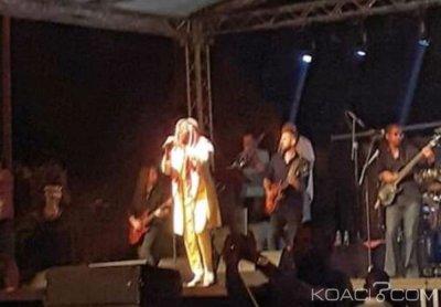 Côte d'Ivoire : Pour le désordre occasionné à la suite d'une forte détonation, Alpha Blondy interrompt sa prestation à Bouaké