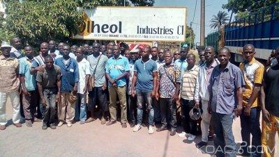 Côte d'Ivoire : Revendiquant leur arriéré de salaire,  les travailleurs de Olheol empêchent l'accès de l'usine au nouvel acquéreur