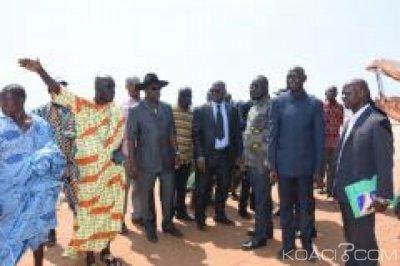 Côte d'Ivoire : Face à l'érosion côtière à Lahou-Kpanda, les  populations s'accordent avec le Ministère de l'Environnement pour des solutions