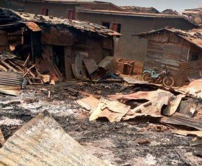 Côte d'Ivoire: Drame à San-Pedro, un incendie fait un mort et des maisons calcinées