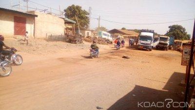 Côte d'Ivoire : Ne voulant pas porter de casque, des motos-taxi défient le préfet et bloquent le corridor Nord