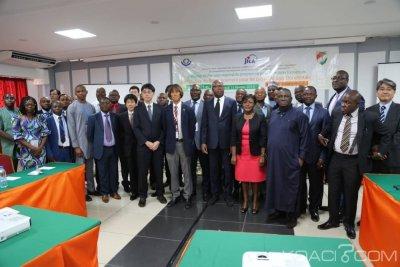 Côte d'Ivoire Abidjan, six administrations douanières de l'Afrique de l'ouest formées en analyse du renseignement pendant cinq jours grà¢ce à la JICA et l'OMD