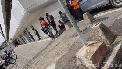 Côte d'Ivoire : Remise de l'arrêté fixant les conditions de délivrance des cartes professionnelles pour encadrer la commercialisation des produits d'assurance par les banques