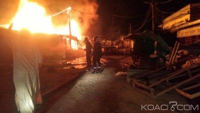 Cameroun : Douala, un géant incendie ravage le vieux  marché Congo