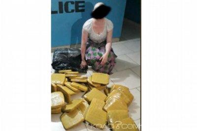 Côte d'Ivoire : Abobo-Gare, la servante transportait 40 paquets de cannabis sur sa tête
