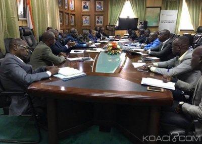 Côte d'Ivoire : Le  ministère de l'éducation nationale poursuit les négociations avec le Synesci qui a suspendu son mot d'ordre de grève