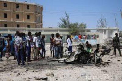 Somalie :  Double explosion près de deux ministères à Mogadiscio , cinq morts dont un vice-ministre