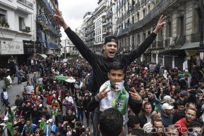 Algérie : 1 million de manifestants dans les rues pour réclamer la fin du régime Bouteflika