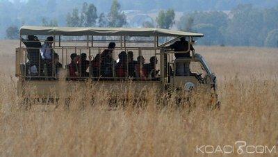 Ouganda  : Une touriste américaine et son chauffeur pris en otage dans un parc , les ravisseurs exigent 500 000 dollars