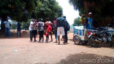 Côte d'Ivoire : En vue d'électrocuter ses adversaires lors d'une rencontre politique,  un jeune homme, avec un taser sème la panique