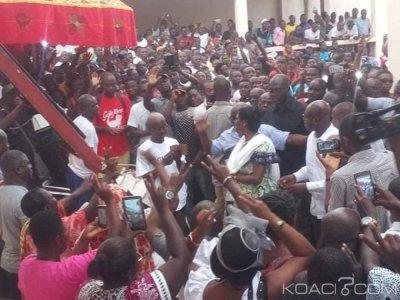 Côte d'Ivoire : En route pour Bondoukou, Simone Gbagbo accueillie en liesse à Abengourou, elle a été reçue par le Roi de l'Indénié