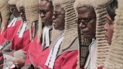 Zimbabwe  : Le coût exorbitant des perruques  pour juges fait polémique