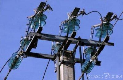 Côte d'Ivoire : Abidjan, le Gouvernement annonce l'installation de 2 027 km de lignes électriques aériennes, 23 549 branchements et la pose de 22 960 foyers d'éclairage public