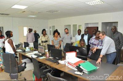 Côte d'Ivoire : « Affaire du riz avarié vendu sur le marché », Anne Oulotto rassure « Le riz qui part du port est effectivement enfoui à Kossihouen »