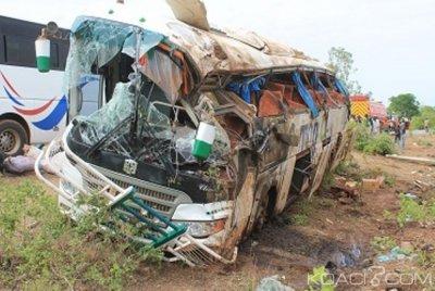 Burkina Faso: Trois morts et une quarantaine de blessés lors d'un accident sur la RN1