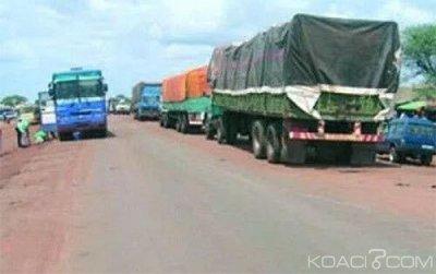 Burkina Faso : Les entrées de Ouagadougou bloquées par des centaines de camions en stationnement