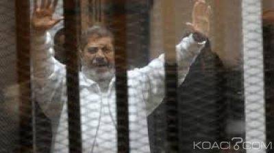 Egypte: L'ancien Président Mohamed Morsi meurt suite à un malaise en pleine audience