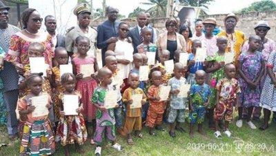 Côte d'Ivoire : Lutte contre l'apatridie à Daloa, 20 enfants trouvés et abandonnés d'un orphelinat obtiennent leur certificat de nationalité grà¢ce au HCR et à l'AFJCI