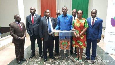 Côte d'Ivoire : Examen de 11 projets de ratification de Conventions internationales, les députés de l'opposition de la CRE claquent la porte de l'Assemblée nationale