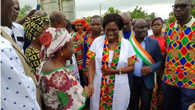 Côte d'Ivoire: Hommage à Memel Fotê, à Dabou, Simone accueillie par un proche de Soro