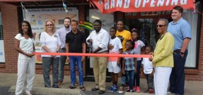 Un Togolais-Americain ouvre le premier supermarché africain à Clarksville, Tennessee