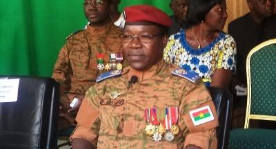 Burkina Faso: Vives émotions dans les unités des 24 militaires tués dans une attaque terroriste