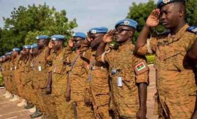 Burkina Faso : Tirs dans un camp militaire, un « ressentiment »  des soldats après l'...