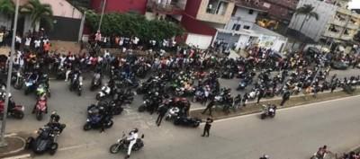 Côte d'Ivoire: A Cocody, parade des centaines de motos pour rendre hommage à Arafat DJ