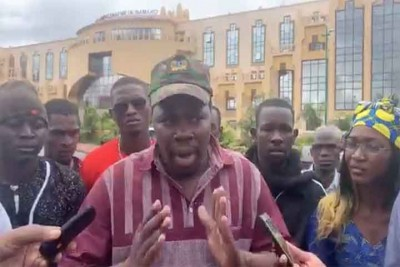 Mali :  Blocages routiers, Boubou Cissé débloque 5 milliards de FCFA pour la refection des routes