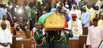 Gambie : L'ancien Président Dawda Jawara inhumé après des honneurs et funérailles nat...