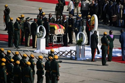 Zimbabwe:   Obsèques de Mugabe,bras de fer entre sa famille et le gouvernement sur le lieu de l'enterrement