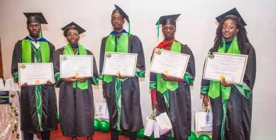 Côte d'Ivoire :   Education, cinq étudiants ivoiriens obtiennent leur Bachelor de la NCC Education d'Angleterre à partir d'Abidjan