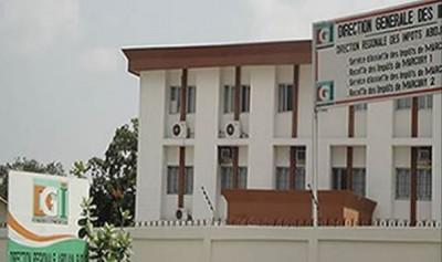 Côte d'Ivoire: La grève des agents des impôts suspendue après des discussions  avec l...
