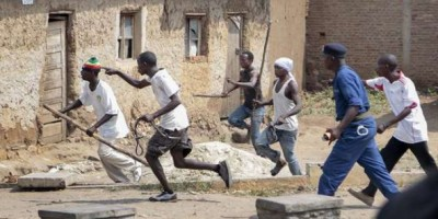 Burundi: Prison à vie pour quatre jeunes du parti au pouvoir pour l'assassinat d'un o...
