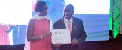 Côte d'Ivoire: Lutte contre le cancer du sein, 2248 nouveaux diagnostiqués,  Bolloré Transport & Logistics reçoit une distinction des mains de Duncan