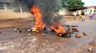 Guinée: 3e mandat de Condé, cinq morts par balles dont un gendarme  après des heurts
