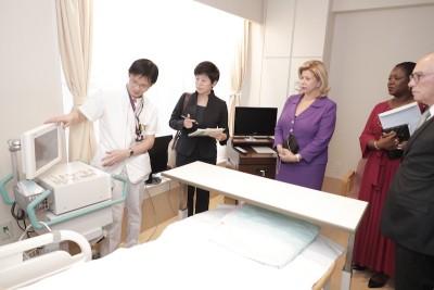 Côte d'Ivoire: Tokyo, Dominique Ouattara échange avec l'épouse du PM du Japon et visite le centre national hospitalier de la médecine globale de Tokyo