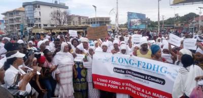 Guinée: Près de 400 femmes  dans les rues pour s'opposer à un 3 ème mandat d'Alpha Condé