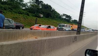 Côte d'Ivoire: Autoroute du nord, des billets de banque s'échappent d'un véhicule, des automobilistes s'immobilisent sur la chaussée pour «s'approvisionner »