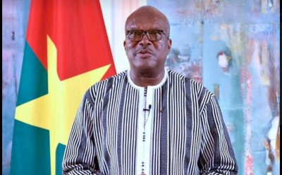 Burkina Faso: Attaque d'un convoi minier, nouveau bilan de 38 morts, le président Kaboré appelle à une « mobilisation générale »