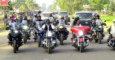 RDC: La parade à moto de Joseph Kabila « sans casque » fait réagir les internautes