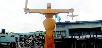 Nigeria: Retrait et radiation de la requête visant un 3e mandat pour Buhari