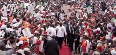 Côte d'Ivoire :  Yamoussoukro, pas de libation au meeting du RHDP, le logo du RHDP sans l'emblème du PDCI-RDA