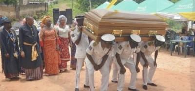 Nigeria: Les anglicans interdisent les livrets et uniformes funéraires lors des enter...